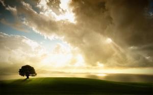 sun_through_clouds_2560x1600