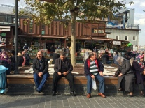 2015-11-25-yeni camii near Eminonu-Plaza